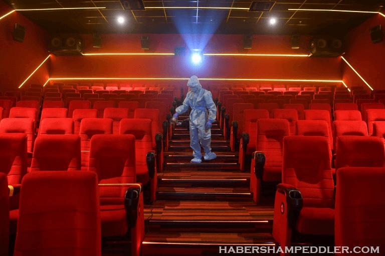 Cinema in India's ด้วยเครื่องฉายเสียงแบบโบราณและระเบียงที่หรูหรา โรงละคร Shahi เป็นโรงภาพยนตร์จอเดียวแห่งสุดท้ายที่ยังหลงเหลืออยู่ในชิมลา