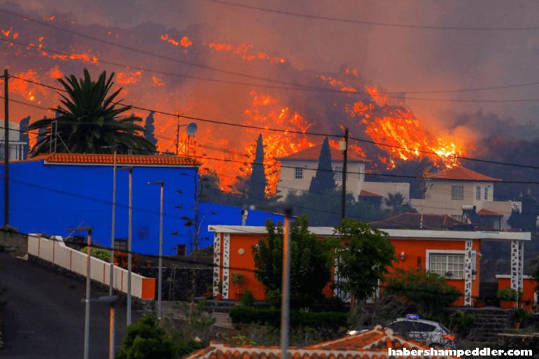 Hundreds more แม่น้ำลาวาที่พุ่งออกมาจากภูเขาไฟที่ปะทุในหมู่เกาะคานารีของสเปน ทำให้ทางการต้องอพยพผู้คนอีกหลายร้อยคนบนเกาะลาปัล